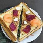 Tomato & Onion Sandwich